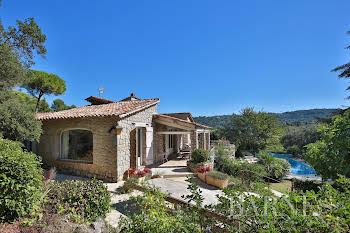 Villa 293 m2