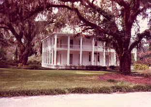 Photo: Southern mansion