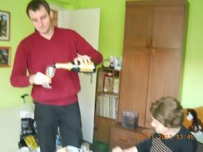 Photo: 11 XI 2013 roku - Marcin leje szampana