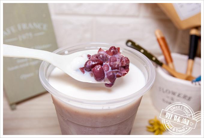 草翠薏仁紅豆鮮奶豆花