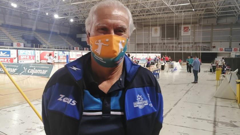 Paco Pepe, en la pista del Palacio Mediterráneo.