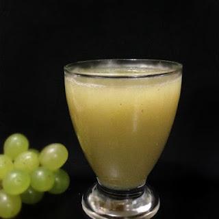 Green Grapes Mojito.