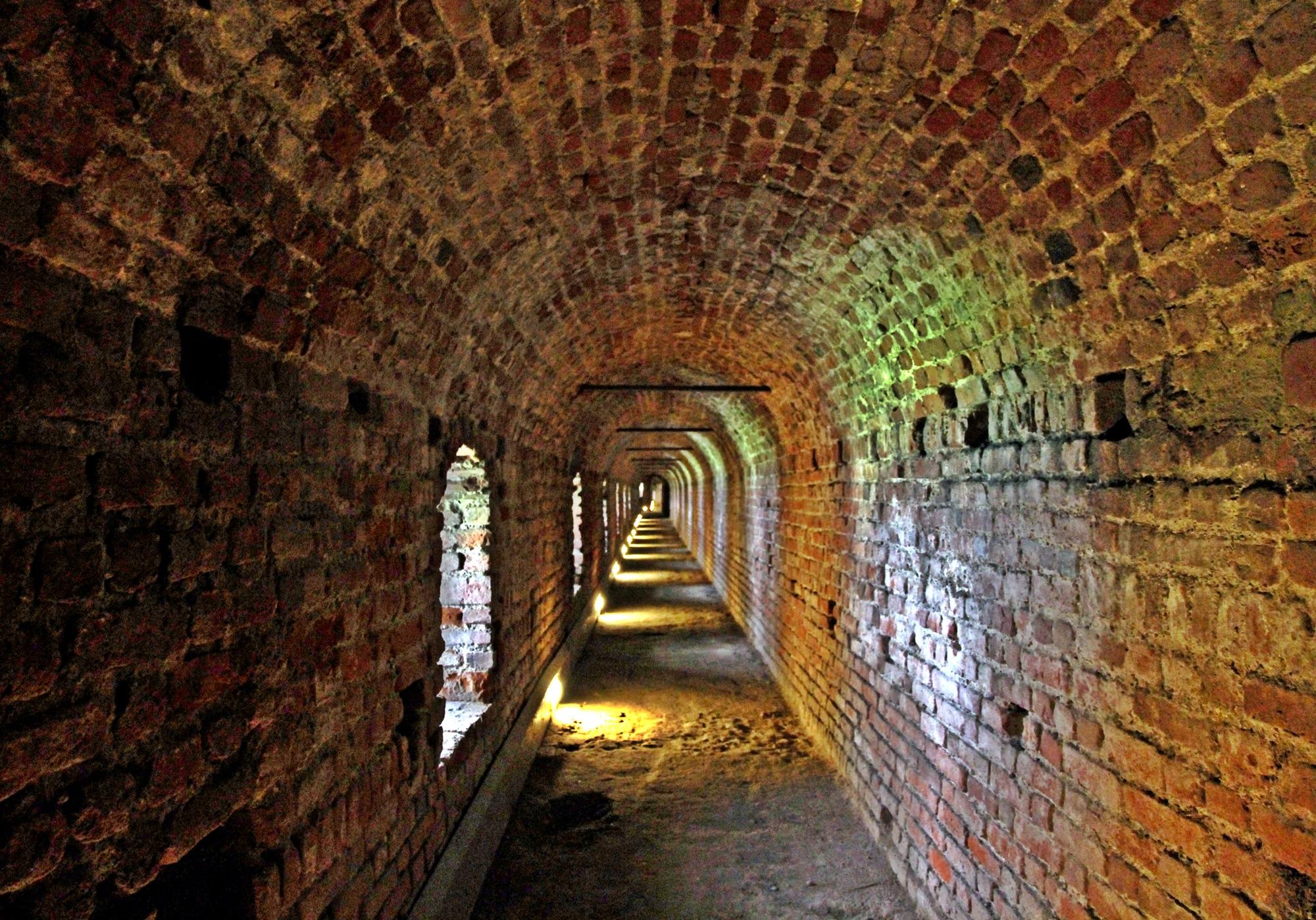il misterioso sotterraneo del Castello di MaxFelice