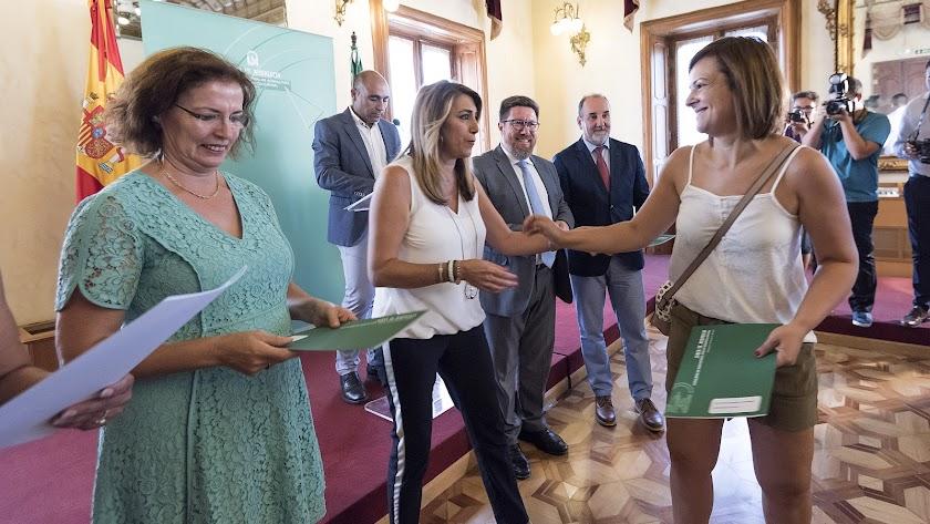 Susana Díaz entrega en Almería ayudas a agricultores por valor de 18,3 millones