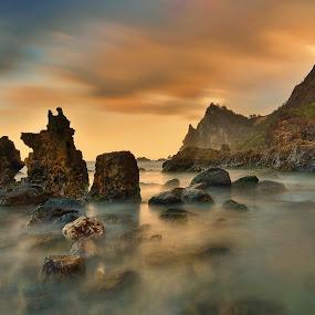 Watu Lumbung beach, Gunung Kidul Jogyakarta by Hery Sulistianto - Landscapes Beaches