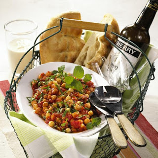 Spicy Chickpea and Herb Salad