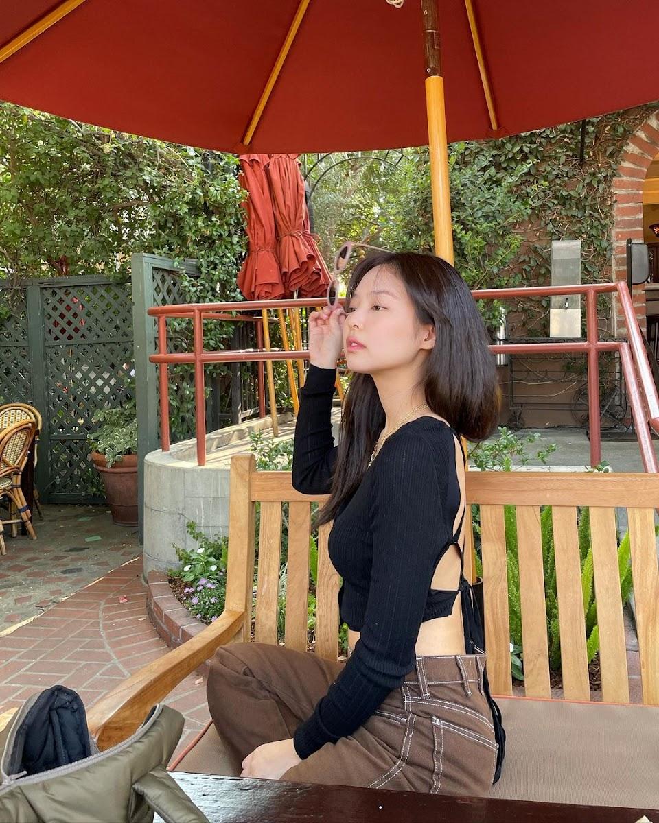 jennie summer black brown