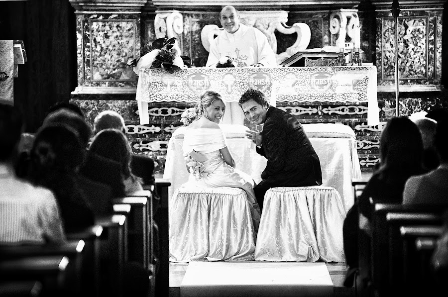 Wedding photographer Emanuele Carpenzano (emanuelecarpenz). Photo of 24.04.2014