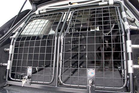 Artfex Hundgrind Hyundai I40 vissabilar saknar lastöglor, kontakta oss om din bil saknar öglor eller lastskena