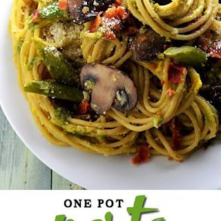 One Pot Pesto Carbonara