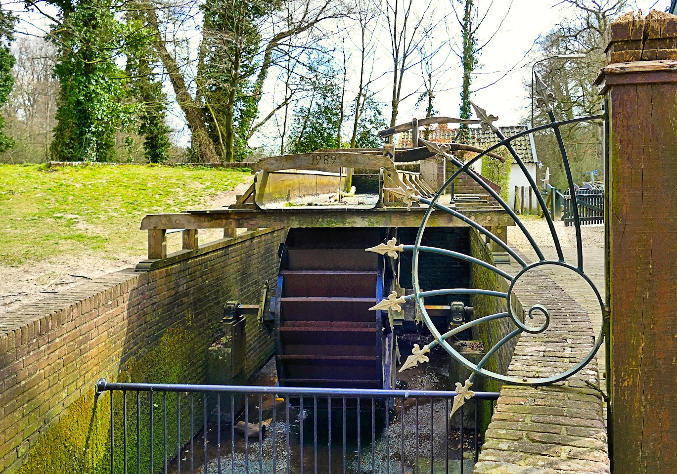 Aangeboden door: Stichting Microtoerisme InZicht Fotoblog Staverden water molen rad