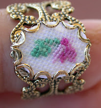 Photo: L'anello con piccolo ciclamino