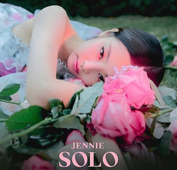jennie-solo