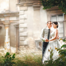 Wedding photographer Orest Labyak (LAB7). Photo of 25.11.2016