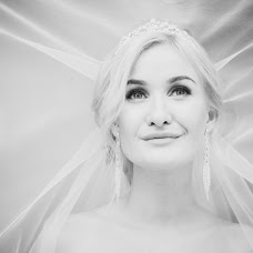 Wedding photographer Andrey Semenov (ochkarik96). Photo of 08.02.2017