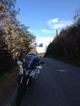 Photo: 記念撮影していたら、別のライダーさんがみえたので、場所を譲ります。