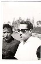 Photo: El querido Padre Pedro,  con Pepín (curso del 62).