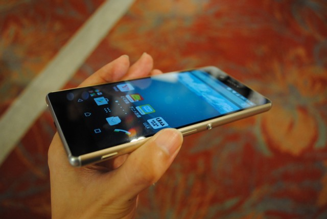 Sony Z4 Au xách tay nhật bản giá rẻ nhất Hà Nội