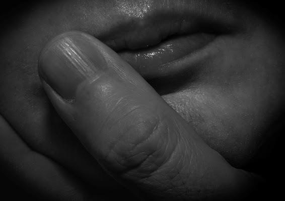 E Accarezzo Le Tue Labbra di Paolo Scabbia