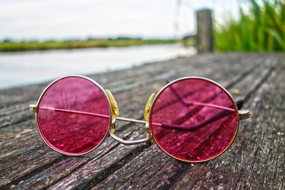 a4366428e Retorno dos Óculos Estilo Retrô à Moda