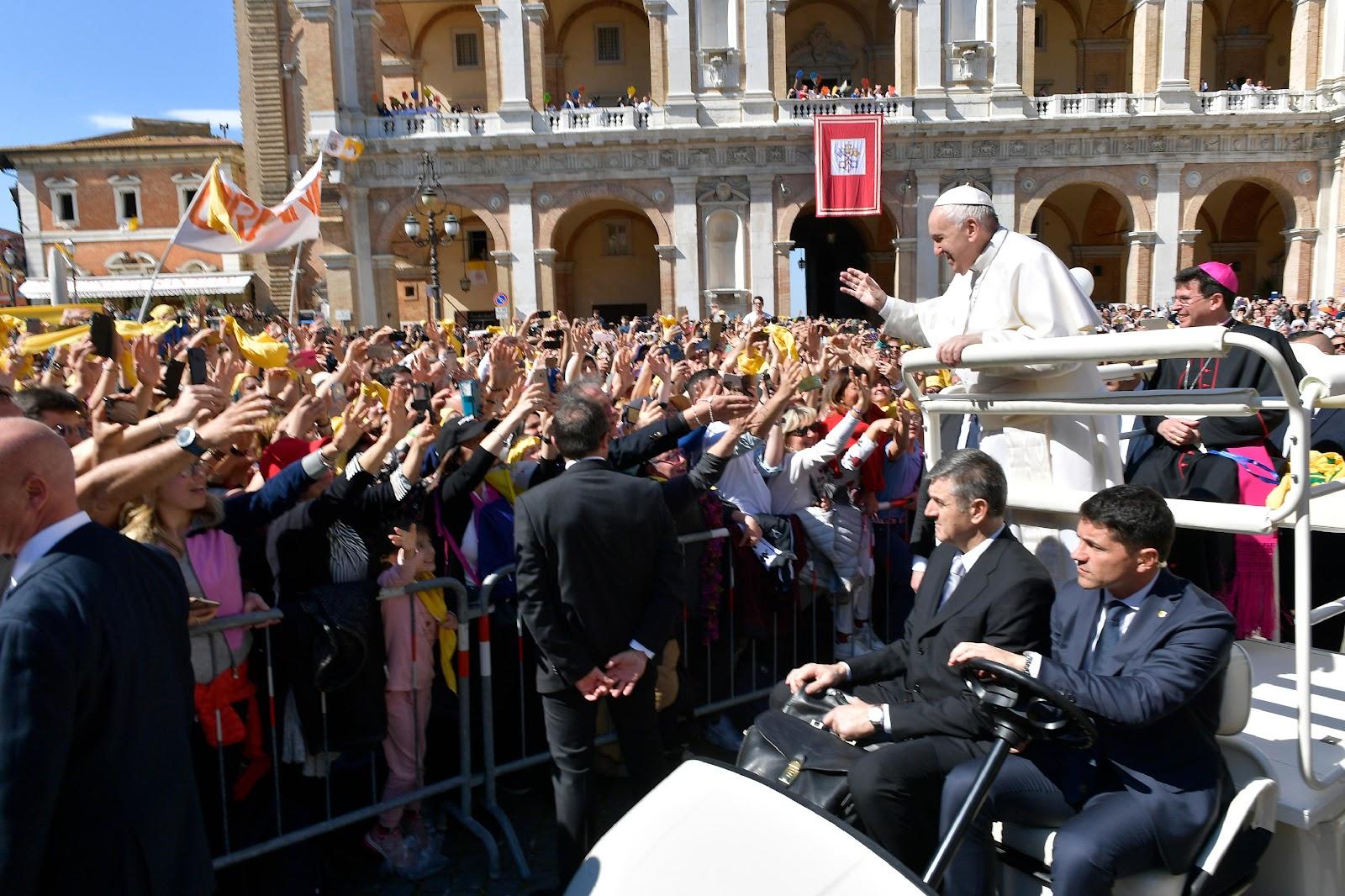 Toàn văn huấn từ của Đức Thánh Cha cho các tín hữu tại Loreto nhân Lễ Truyền Tin