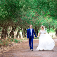 Wedding photographer Aleksandra Podgola (podgola). Photo of 04.01.2018