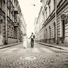 Wedding photographer Yuliana Apina (MonaBente). Photo of 10.04.2014