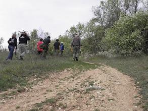 Photo: Riscoperto il primo tratto di mura, volontarie e volontari si spostano dietro l'anfiteatro di Alba Fucens