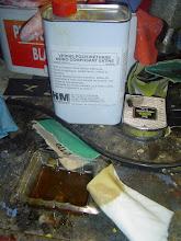 Photo: 17h30. Après quelques heures de séchage de la peinture et du fondur, passage du vernis de finition