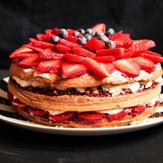 Berry Layer Cake with Cream Cheese and Nuts