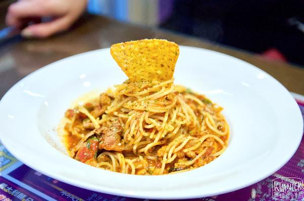 sunny pasta陽光義式廚坊|平價美味義大利麵、焗烤、燉飯|冬季限定!義式海陸暖暖湯鍋麵