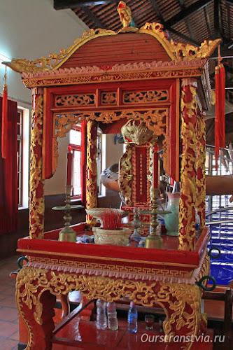 Храм кита в Фантьете, юг Вьетнама