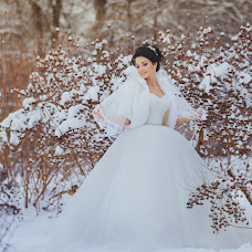 Wedding photographer Lyubov Kharlamova (lyubsya). Photo of 13.02.2018