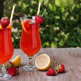 Copycat Red Robin Strawberry Lemonade.