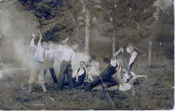 """Photo: Inscenizowana """"bójka"""", w tle Józef Berezowski (siedzi na 2 planie). Worochta? b.d.   Theatrical fight, among others Jozef Berezowski (sitting)."""