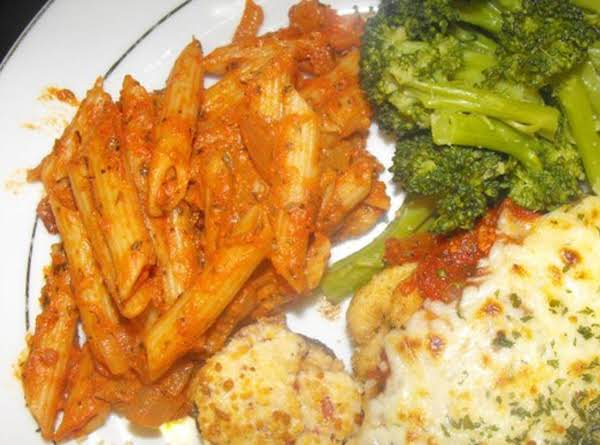Spicy Vodka Sauce For Pasta (shown Here With Parmesan Chicken, Broccoli, And Stuffed Mushrooms)