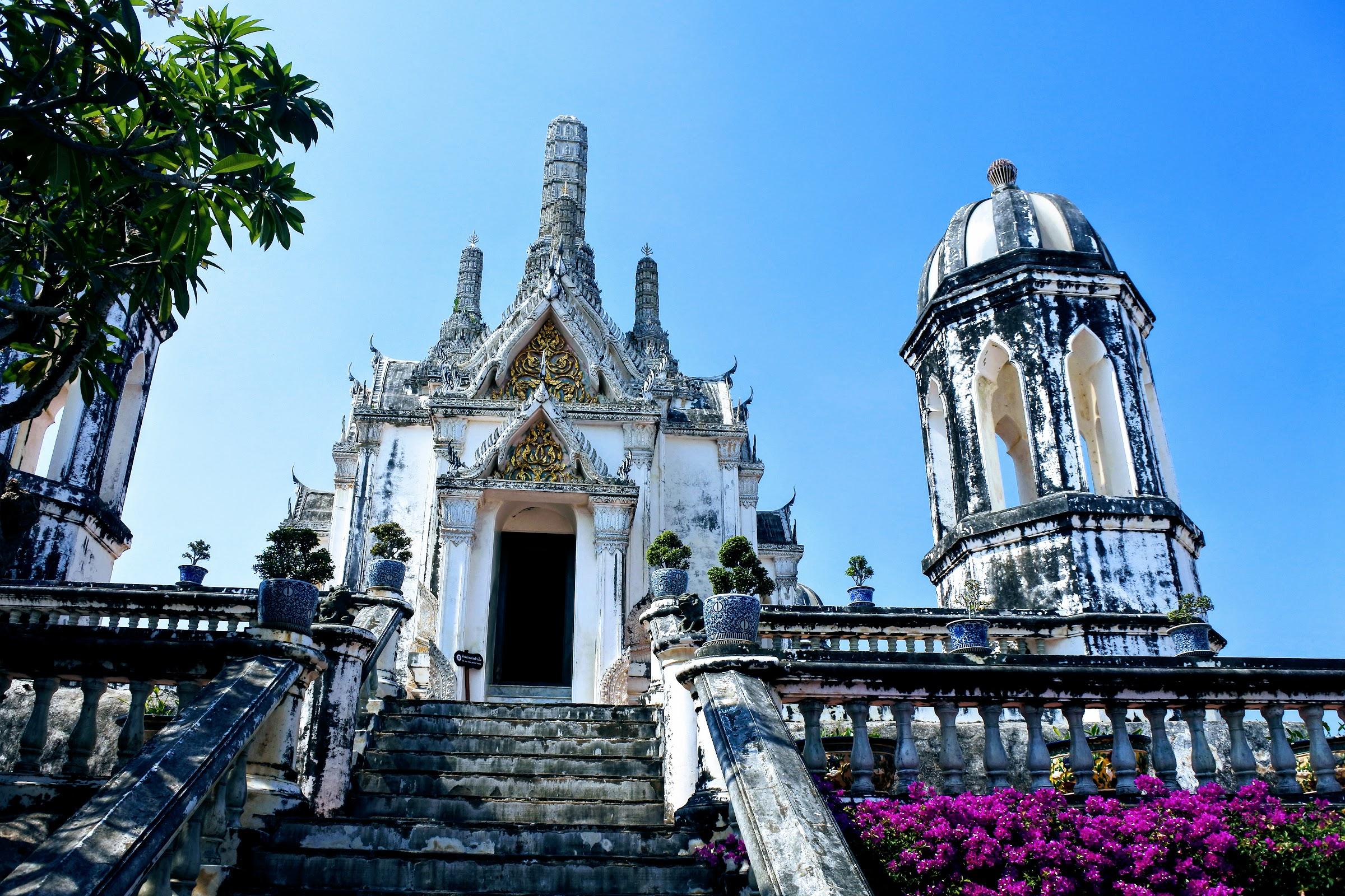 Wat Phra Kaew Noi inside the Phra Nakhon Kiri National Museum complex