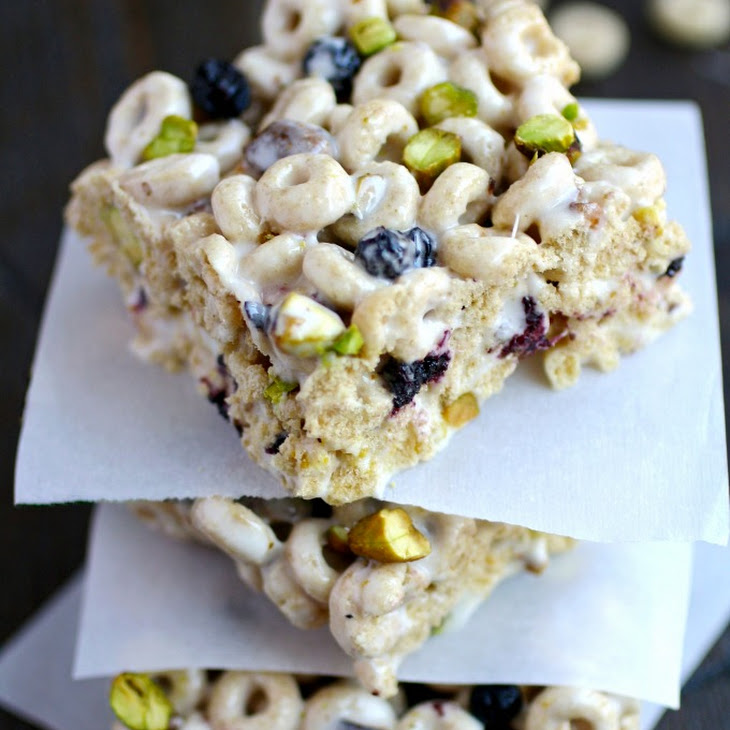 Blueberry-Pistachio Marshmallow Cereal Bars
