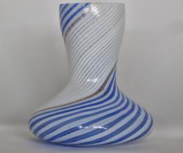 Photo: Dino Martens for Aureliano Toso. Mezza filigrana vase.