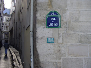 Photo: On this tiny street (with buildings from the 14th century), is a line showing the high water mark of the great Paris flood of 1910, when fully half the city was accessible only by boat.