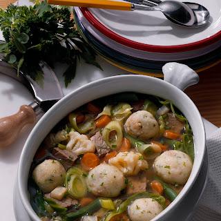 Gemüse-Rindfleischtopf mit Eierknödel