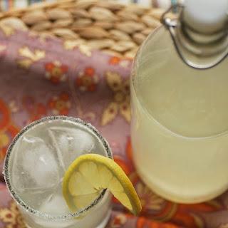 Super Simple Lemonade (or Lemon Drop!)