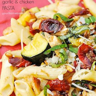 Roasted Cherry Tomato, Garlic and Chicken Pasta