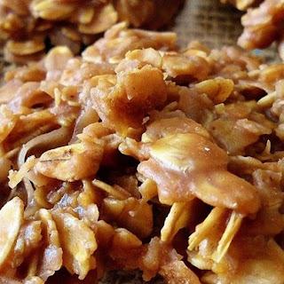 No Bake Choco-Peanut-Oatmeal Cookies