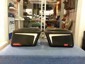 Photo: coppia borse V7   €175,00 in ottimo stato L. base 36L.superiore 42H.magg. 29H minore 25profondità 16
