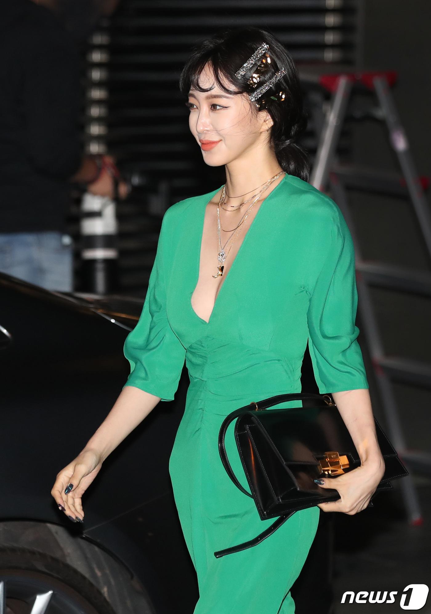 han ye seul green dress 7