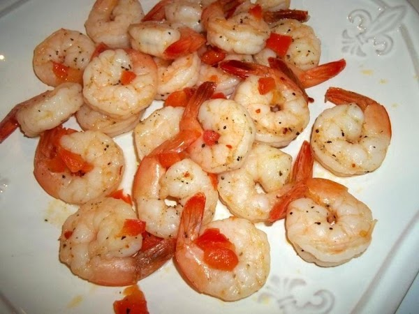 Remove shrimp to serving plate.