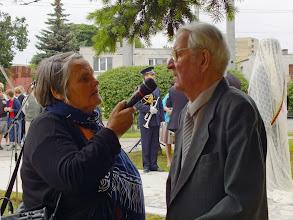 Photo: Lietuvos radijo žurnalistė Gema Padribonienė ir R. Ulinskas, vienas iš paminklo P.Dauniui iniciatorių.