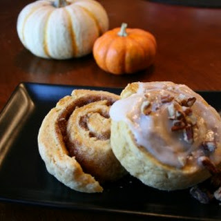Sweet Potato & Pecan Cinnamon Bun with Maple Glaze (adapted from Vegetarian Times)