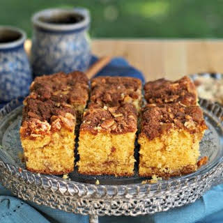 Easy 7-Up Coffee Cake.